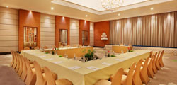 Ruangan Rapat dan Fasilitas