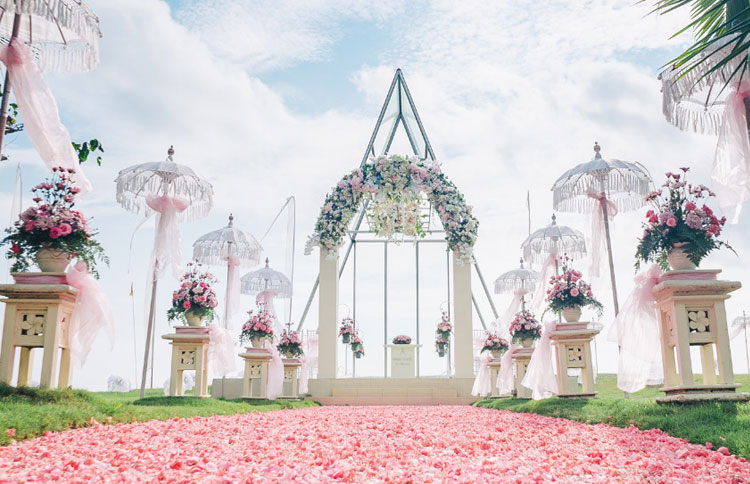 Bali wedding chapel venue at grand mirage resort all inclusive for Bali wedding decoration hire