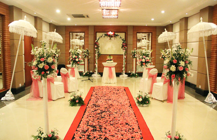 Indoor wedding venue provides at the Grand Mirage's ballroom