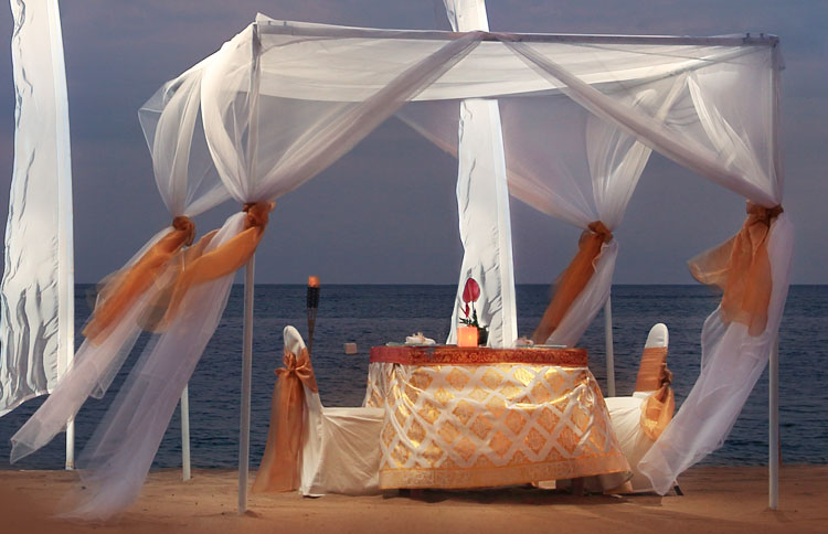 Romantic dinner by the beach